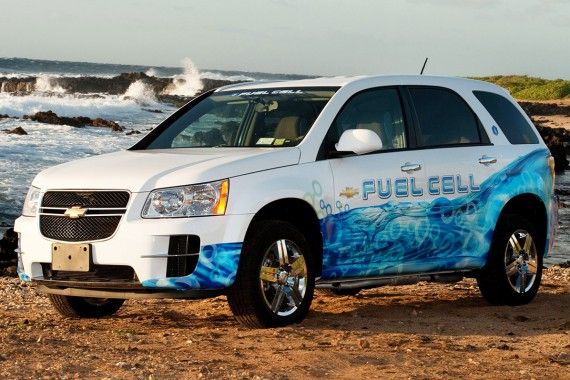 Chevrolet-Equinox-Fuel-Cell-Vehicle-front-side-view